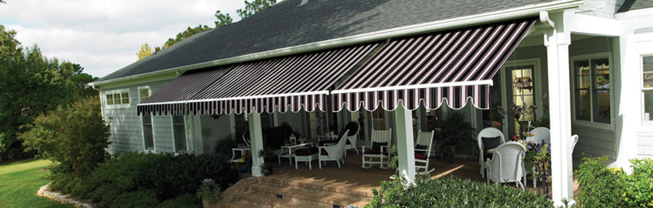 sldier-Sunbrella-Retractable-Awning